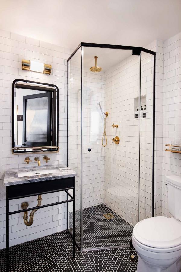 Trois catégories de chambres sont proposées, les cosy, cosy view et roomy, toutes équipées de lits king-size et avec un panier petit-déjeuner livré en chambre.