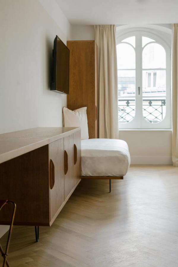 Hôtel du Sentier – Chambre © Antoine Cadot