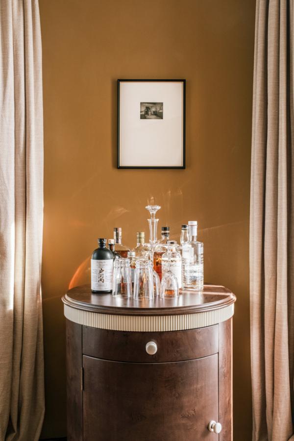 Hôtel Rochechouart Paris – Le mini-bar © Ludovic Balay
