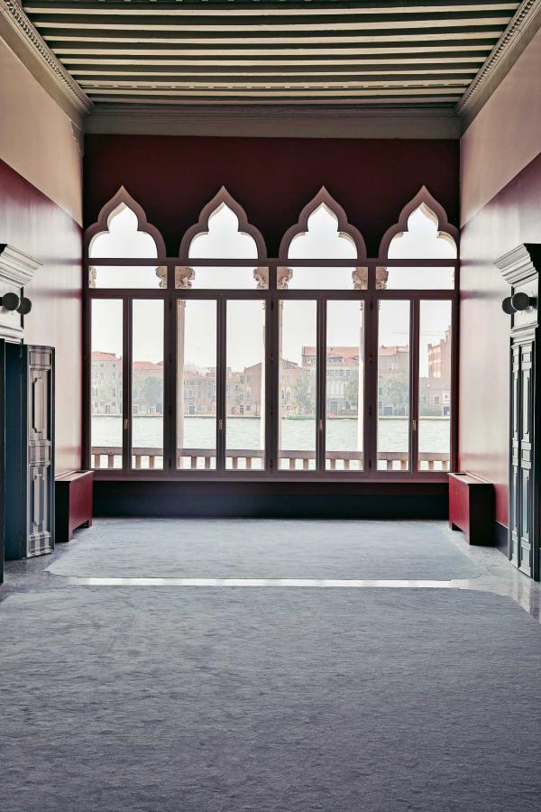 Il Palazzo Experimental, Venise - À l'étage © Karel Balas