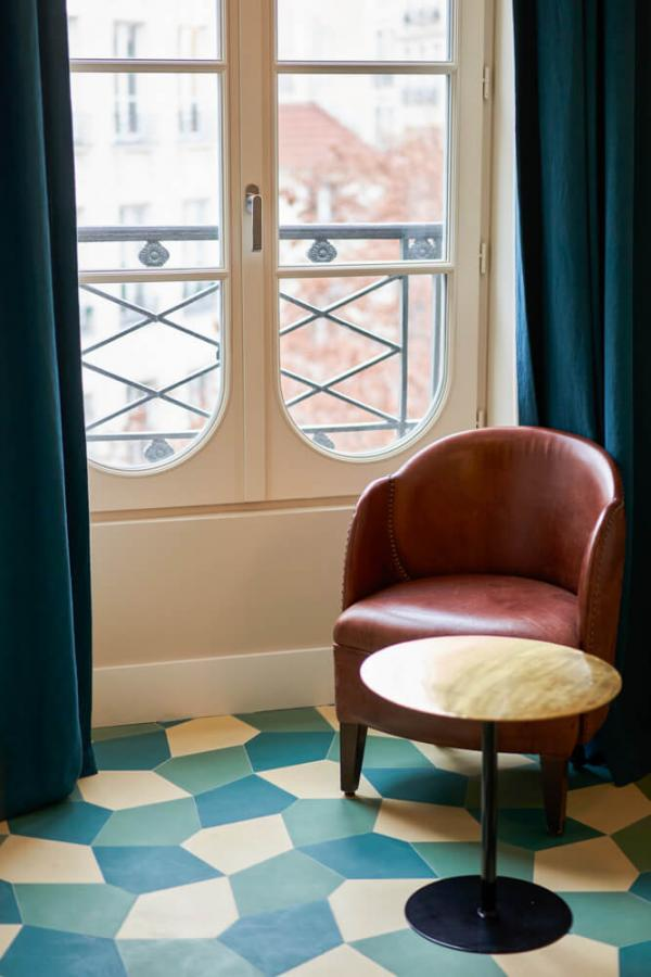 Hôtel du Sentier – Chambre confort © Bastien Rossi