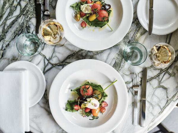 L'offre de restauration est complétée parMarlee, qui du jardin à l'assiette utilise les produits cultivés en biodynamie.