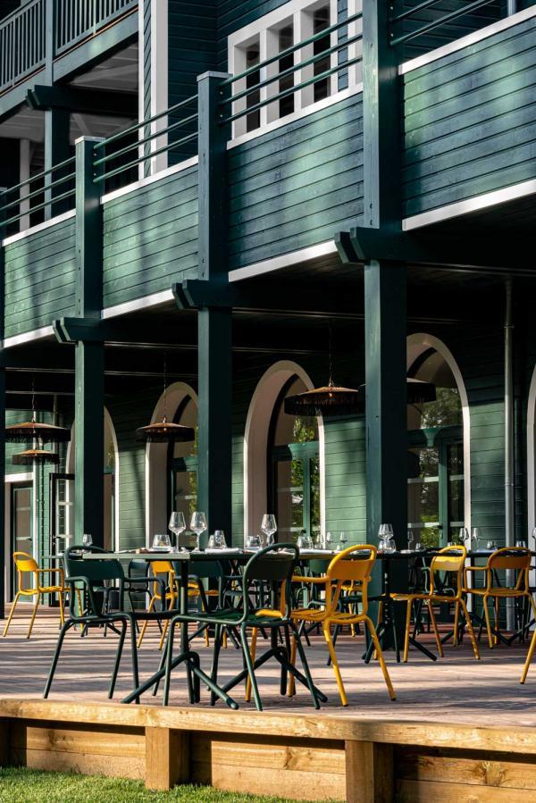 70 hectares... et l'océan | Terrasse du restaurant © MR. TRIPPER