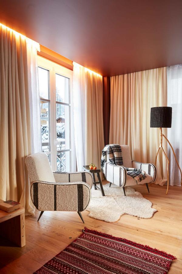Grand Hôtel du Soleil d'Or, Megève - hall. © Gaëlle Le Boulicaut