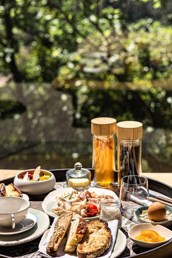 Souki Lodge & Spa — petit-déjeuner © MR. TRIPPER