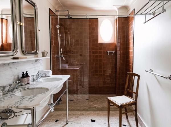 Hôtel Rochechouart Paris – Salle de bain © Ludovic Balay
