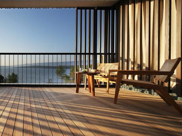 Maslina Resort — terrasse © D. Fabijanic