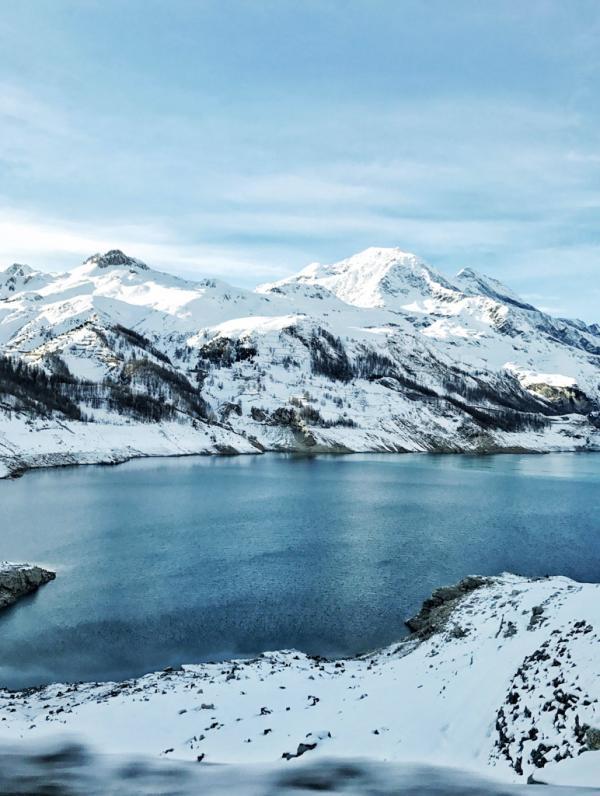 Sur la route menant à Val d'Isère © YONDER.fr