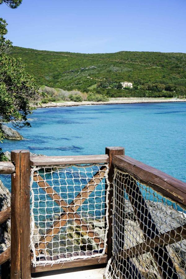 "Misincu : vue la plage depuis la villa Casa "" A Marina "" © YONDER"