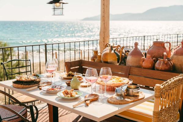 Beach Club Lily of the Valley | Restaurant Brigantine © DR