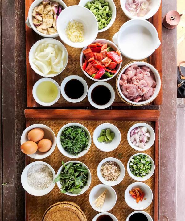 Cours de cuisine laotienne au milieu des rizières © YONDER.fr