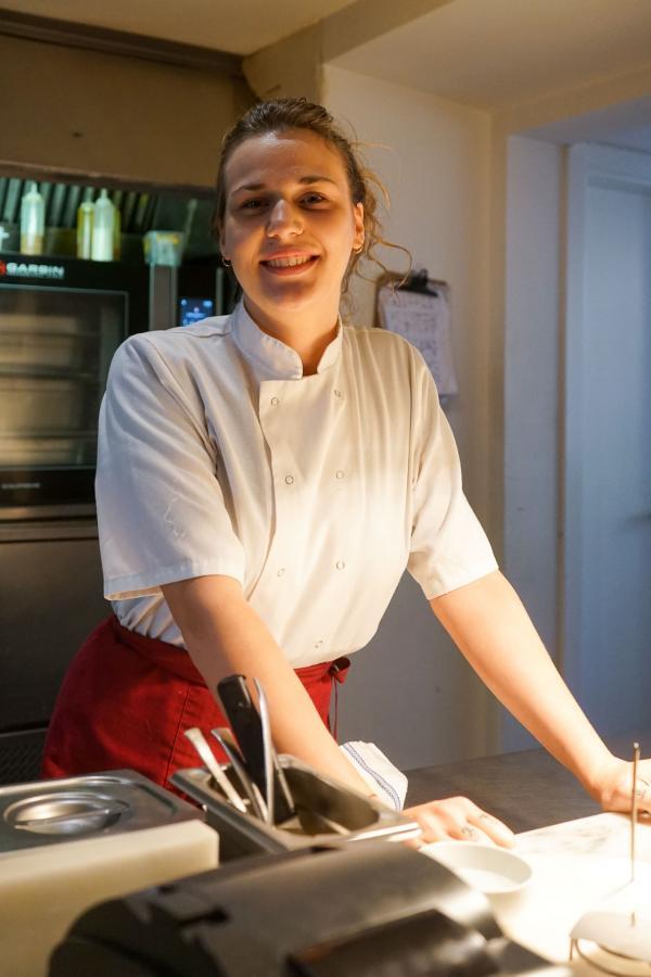 La jeune cheffe Louise Bourrat. © YONDER
