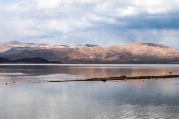 Vue du lac Poopó depuis le train entre Oruro et Uyuni © CC David Almeida
