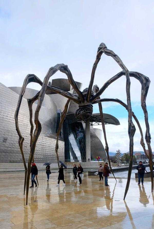 """Sculpture """"Maman"""" de Louise Bourgeois devant le Guggenheim © Clémence Ludwig"""