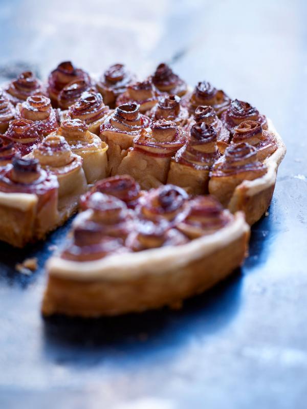 """La tarte aux pommes façon """"Bouquet de roses"""", un plat emblématique de l'Arpège © J.C-Amiel"""