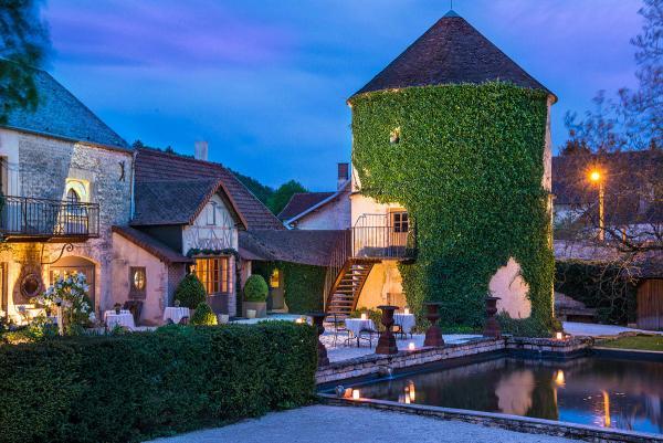 Château de Courban — restaurant et suite pigeonnier © Château de Courban