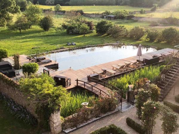 La piscine naturelle du Château de l'Épinay © DR