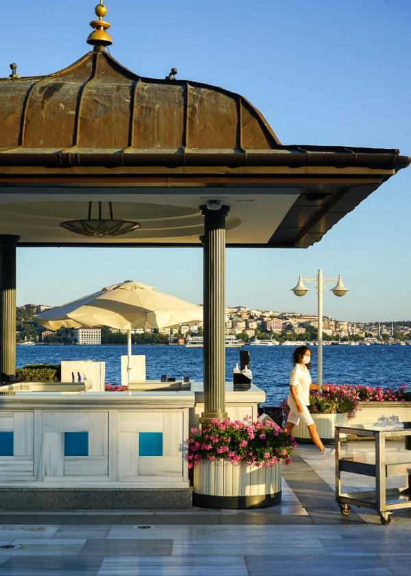 L'un des kiosques de la terrasse du Four Seasons Bosphorus © MB YONDER.fr