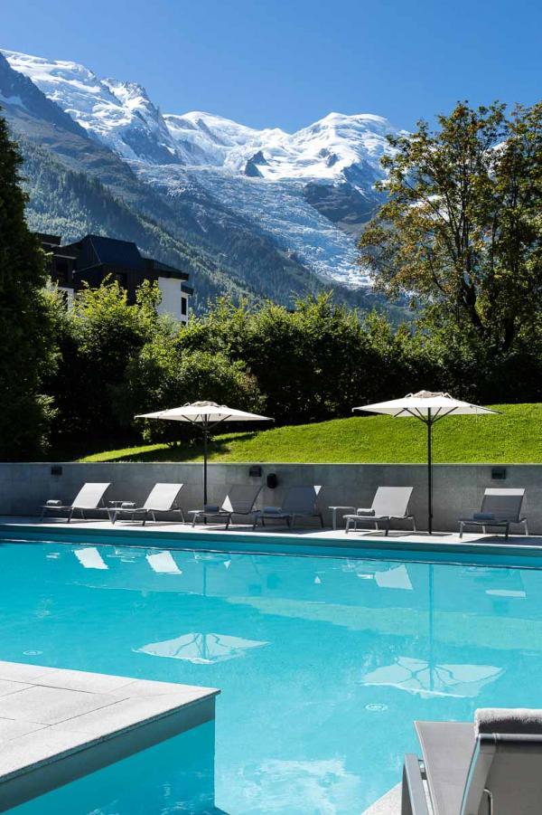 Hôtel Mont-Blanc Chamonix – Piscine © DR