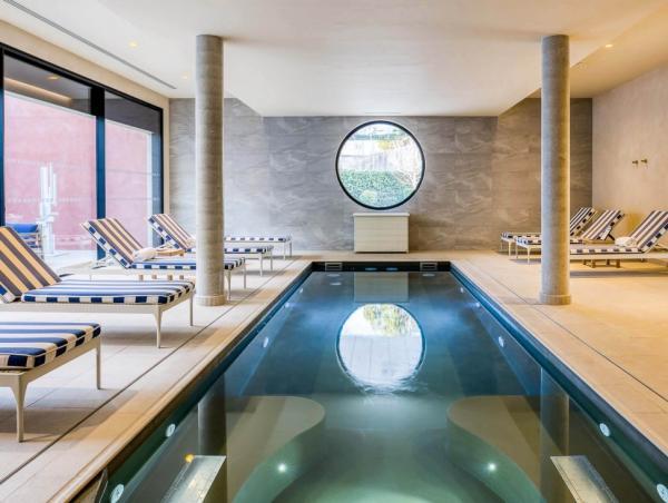 La piscine intérieure du Maison AlbarHotelsL'Imperator © Stefan Kraus