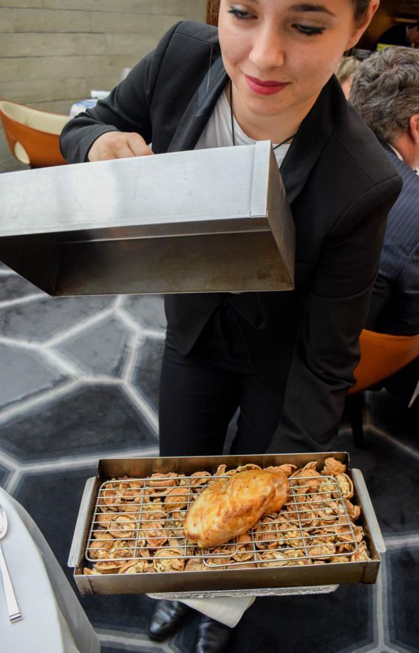 La présentation du ris de veau, en cours de cuisson © YONDER.fr