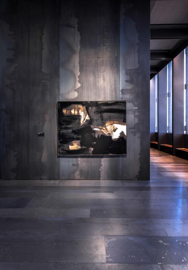 Les œuvres de l'artiste français le plus côté s'exposent aux côtés d'expositions temporaires © Rodez agglomération musée Soulages photographe Bernard Bonnefo