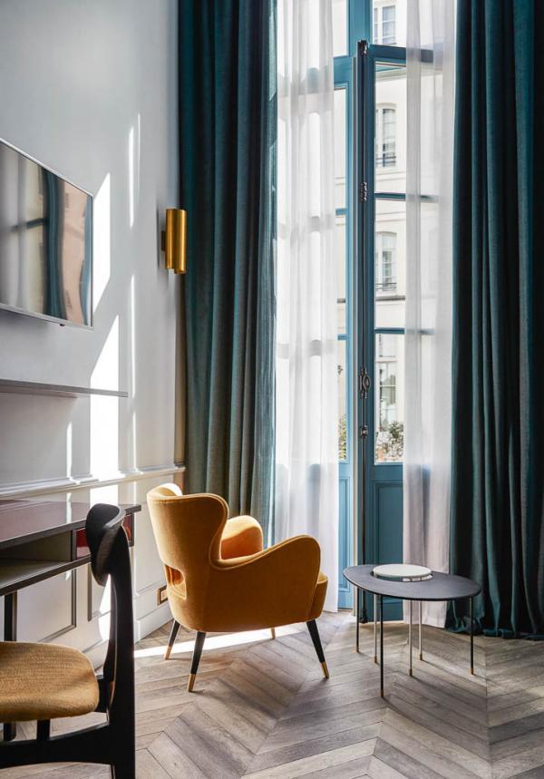 """The Hoxton Paris – Chambre """"Biggy"""" © Alan Jensen"""