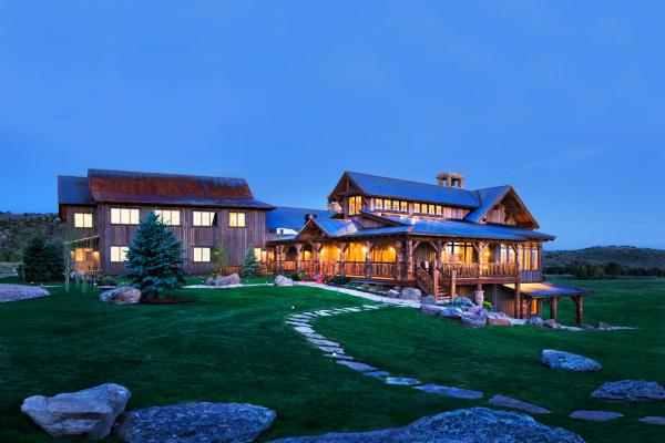 The Lodge & Spa at Brush Creek Ranch © DR