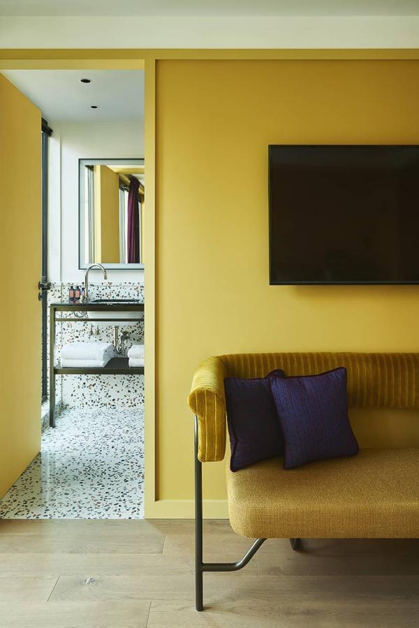 Chambre à l'Hôtel Le Ballu (Paris 9ème arrondissement)
