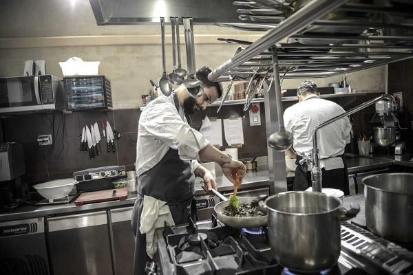 Nicola Popolizio en cuisine © Ego