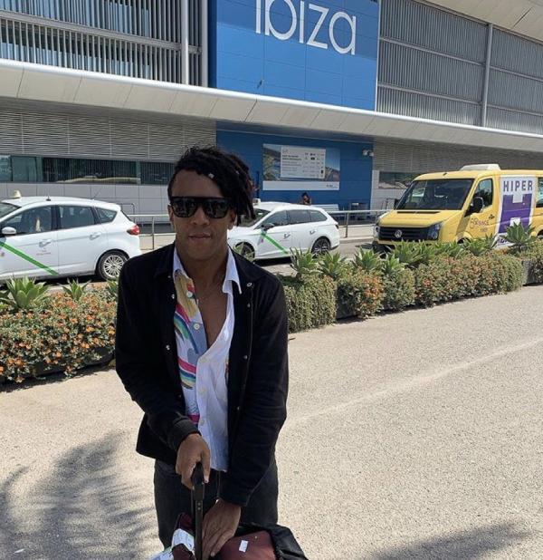 Dyed Soundorom (Apollonia) - Ibiza Airport © DR