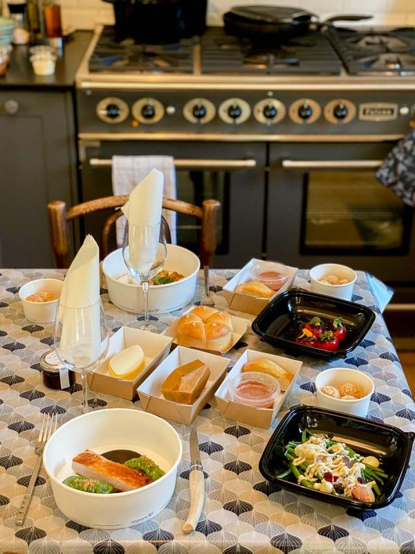 Le dîner préparé par Jérôme Banctel, chef doublement étoilé, et servi à la maison © EL / YONDER.fr