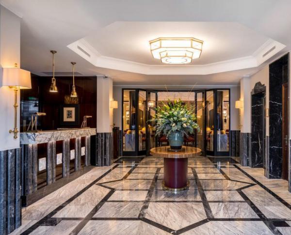 Maison Albar Hotels Le Monumental Palace — lobby © Stefan Kraus