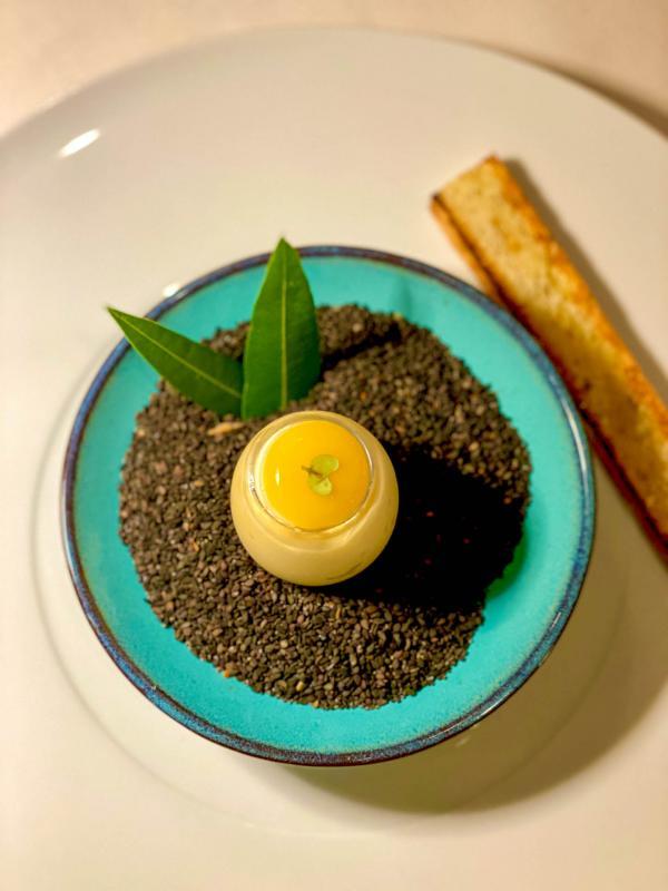 L'œuf en brouillade servi avec une poêlée de cèpes © EL   YONDER.fr