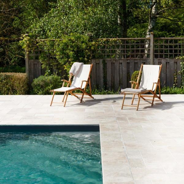 La Marcotte — piscine extérieure © Eric Sander