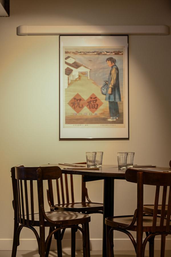 Brigade du Tigre : détail de décoration dans le restaurant © Géraldine Martens