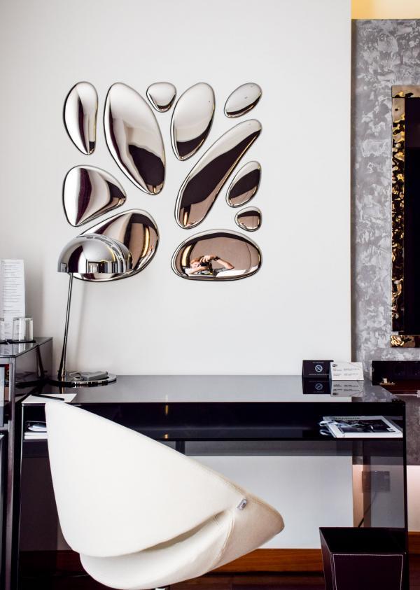 Bureau dans la chambre 603 © YONDER.fr