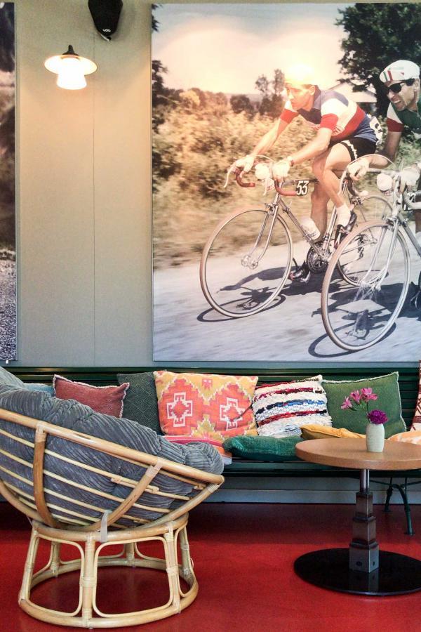 Dans le lobby du 25hours Hotel Das Tour © YONDER.fr