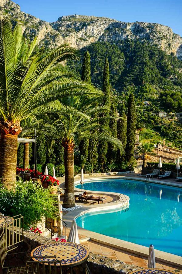 Au bord de la grande piscine du Belmond La Residencia © YONDER.fr