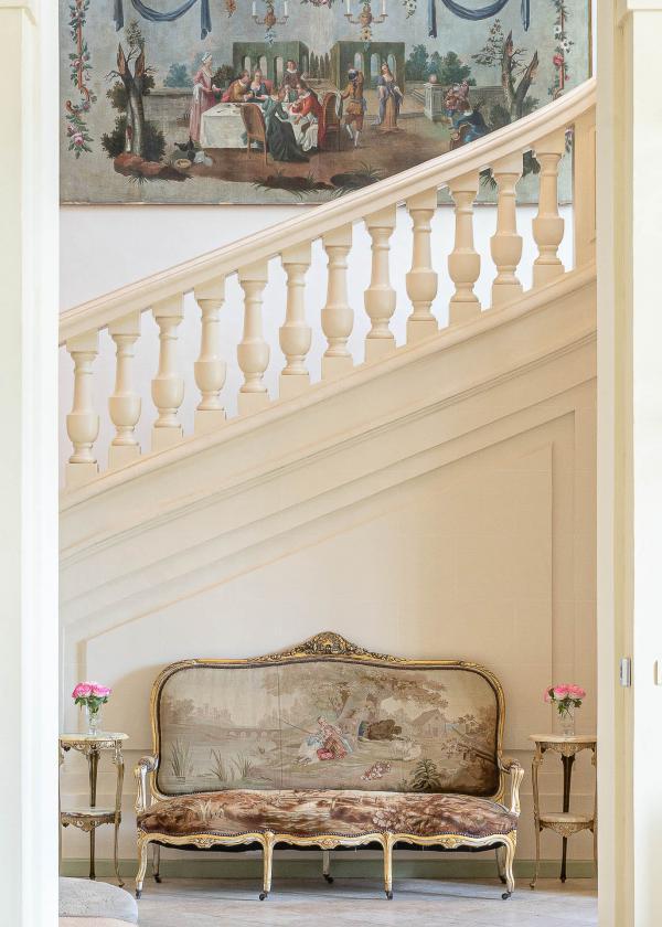 L'escalier monumental de l'Hôtel Château du Grand-Lucé © Adam Lynk