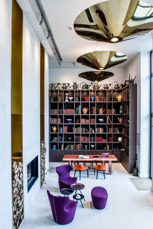 Décor contemporain dans le lobby © Anne-Emmanuelle THION
