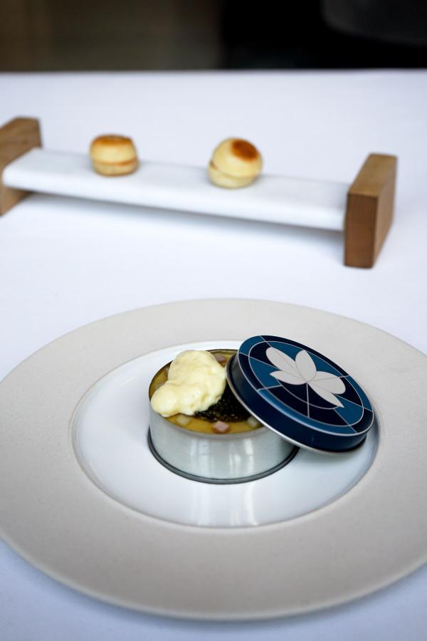 Les Œufs Bénédicte, avec caviar, réinventés par Daniel Humm © YONDER.fr