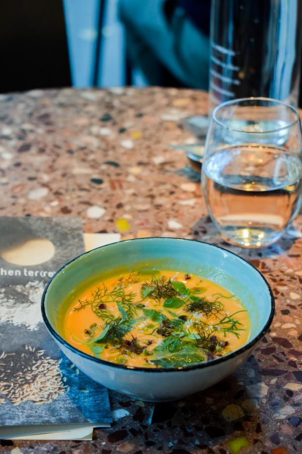 Gaspacho de tomate « Copyright ZKG » © YONDER.fr