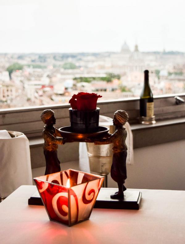 Atmosphère élégante à Imàgo, le restaurant gastronomique de l'Hotel Hassler © Yonder.fr