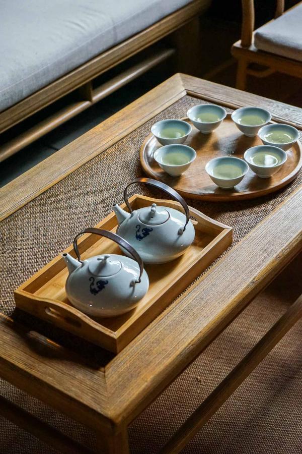 L'Amanfayun produit son propre thé. Il est notamment servi aux guests au moment du check-in © YONDER.fr