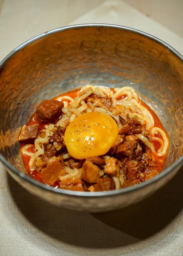 Pork Noodles, jaune d'œuf © YONDER.fr