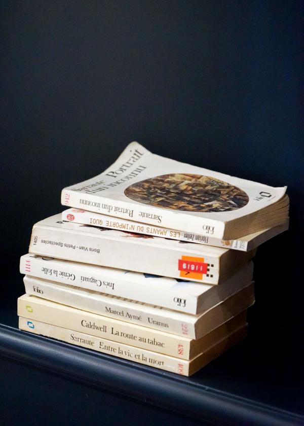 Les livres sont omniprésents dans l'établissement © YONDER.fr