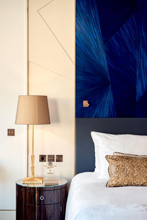 Décor somptueux dans la chambre à coucher de l'incroyable Suite Prince Rainier III © SBM