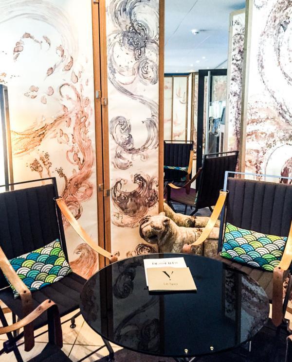 Les fauteuils transat du lobby ont été créés par le Studio Hertrich&Adnet et réalisés par la célèbre maison Henryot & Cie © Yonder.fr