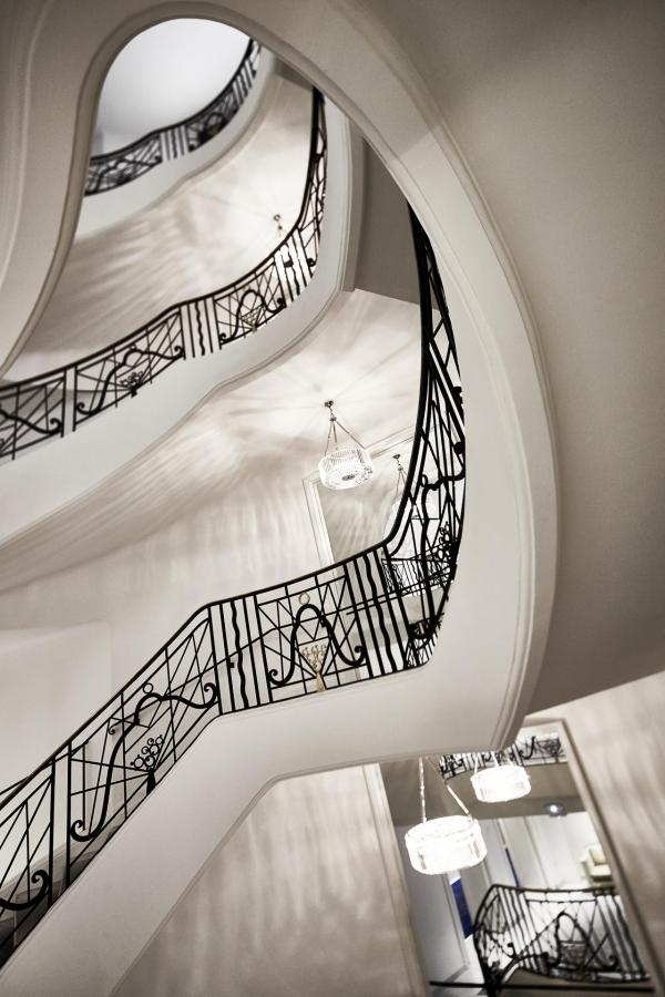 Le grand escalier du Martinez © JF Romero